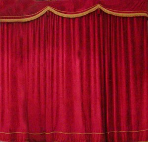 "Salerno: ""Fantasmi contro Giganti"" al Teatro Nuovo"