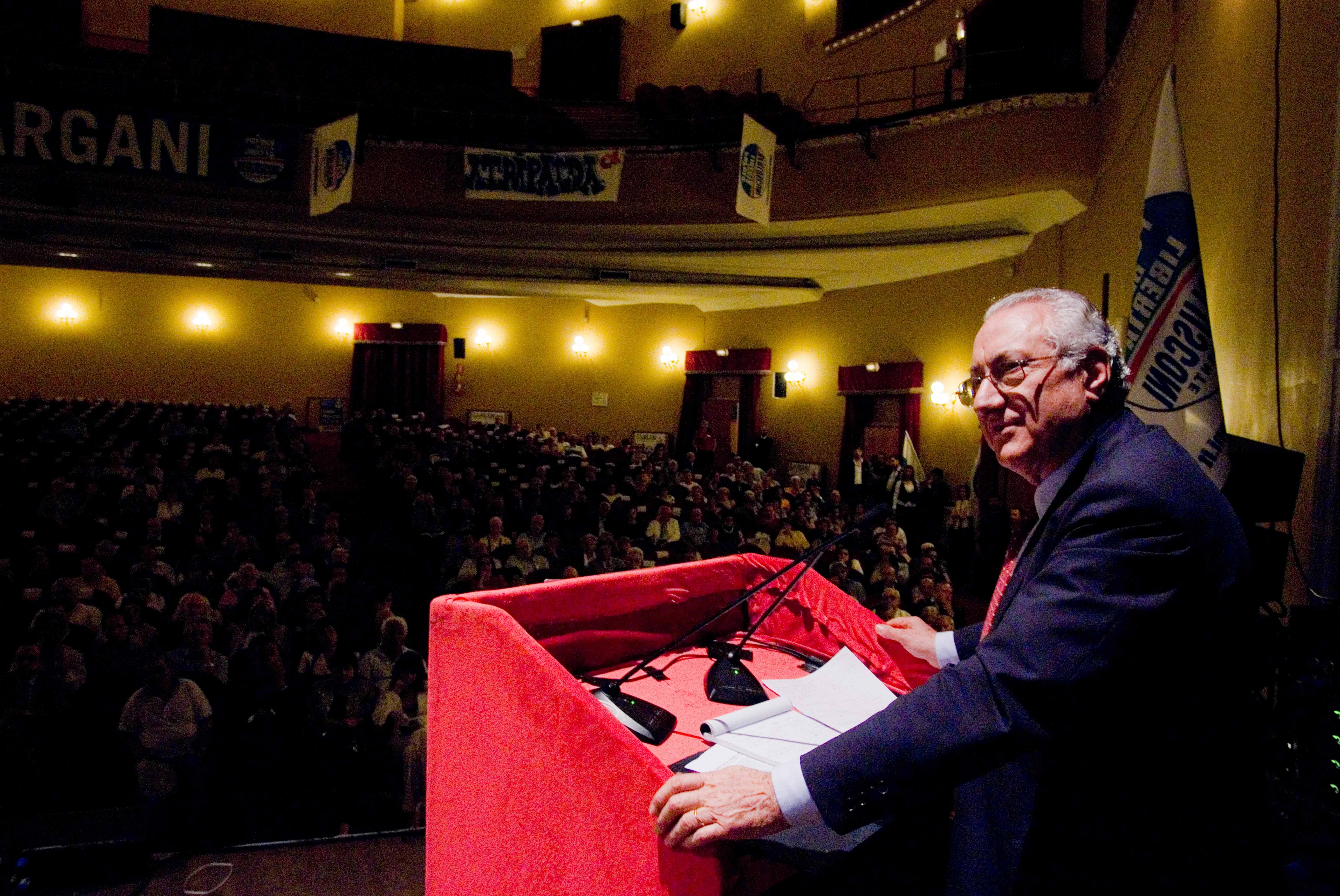L on gargani il sud deve tornare al centro del dibattito for Numero parlamentari italiani