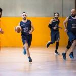 Cava Basket non si ferma, vittoria facile nella stracittadina e primato campano in FIP